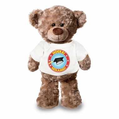 Baby eindexamen cadeau hoera geslaagd knuffel beer wit shirt