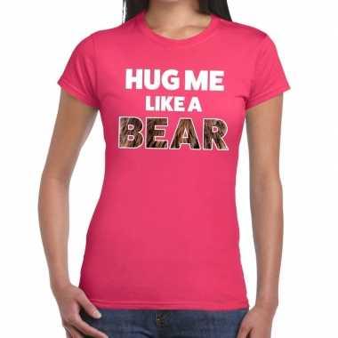 Baby hug me like a bear tekst t shirt roze dames knuffel