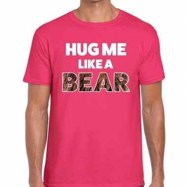 Baby hug me like a bear tekst t shirt roze heren knuffel