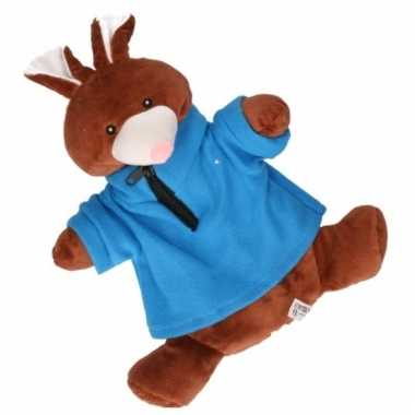Baby kinderkruik bruin konijn blauwe trui knuffel