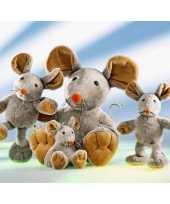 Baby grijs bruine muis eddi knuffel